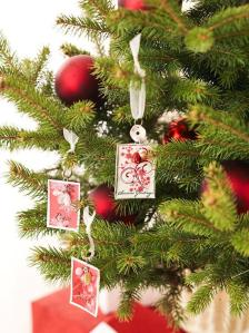 Turn your cards into tree accessories!